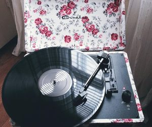 music, vintage, and flowers image