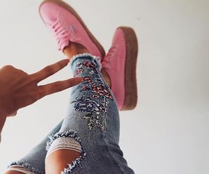 blogger, sneakers, and boho image