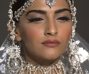 beauty, jewels, and makeup image