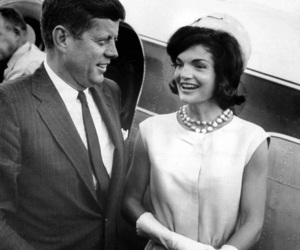 Jackie Kennedy, JFK, and couple image