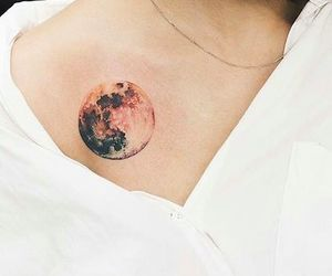lune and tatouage image