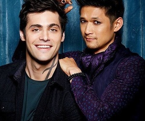 maleç, shadowhunters, and magnus bane image