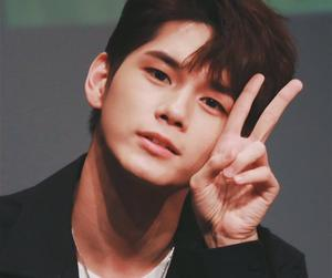 kpop, wanna one, and seongwoo image