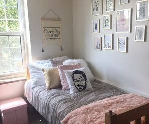 college, dorm room, and pink and gray image