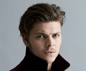 alex høgh andersen, vikings, and ivar the boneless image