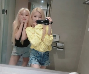 loona, jinsoul, and girls image