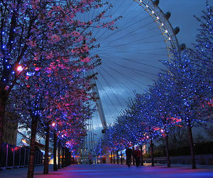 light, london, and tree image