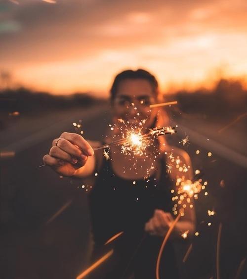 girl, light, and sunset image