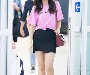 twice, airport fashion, and tzuyu image