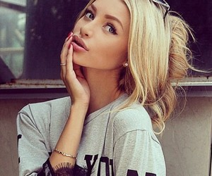 beauty, blonde, and girls image
