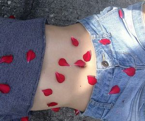rose, body, and grunge image