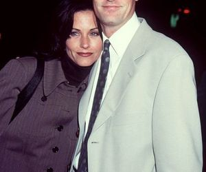 friends, chandler bing, and Courteney Cox image