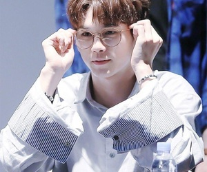 glasses, wanna one, and wannable image