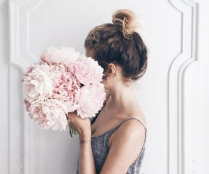 beauty, flowers, and girls image