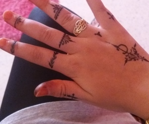 tatoo and حناء image