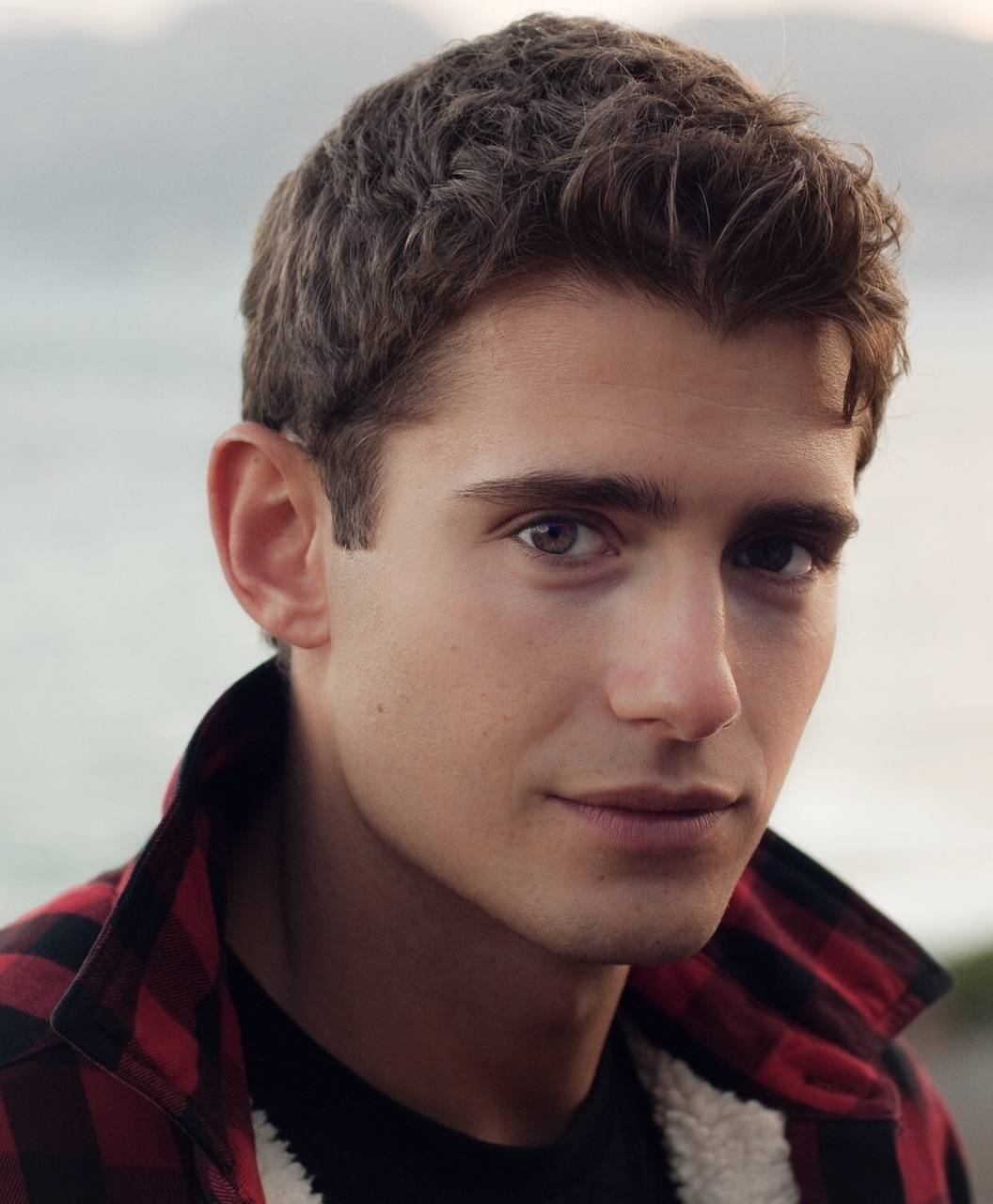 julian morris, pretty little liars, and WREN image