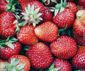strawberry and FRUiTS image