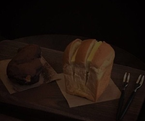 aesthetic, bread, and dark image