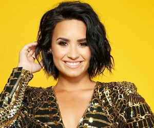 demi lovato, smile, and ddlovato image