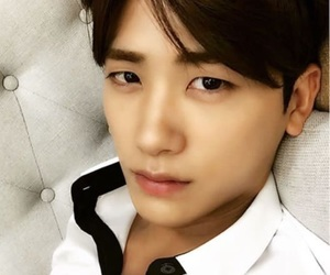 ze:a and park hyung sik image