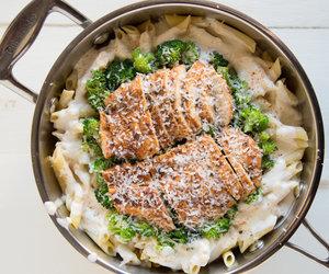 alfredo, Chicken, and pasta image