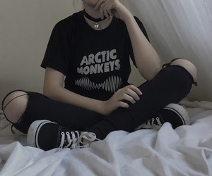 black, grunge, and arctic monkeys image