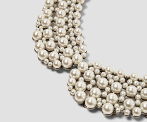 chic, collar, and pearl image