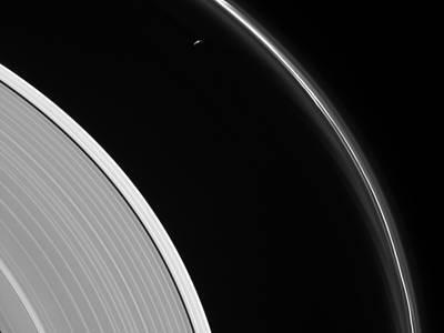 ring and saturnus image