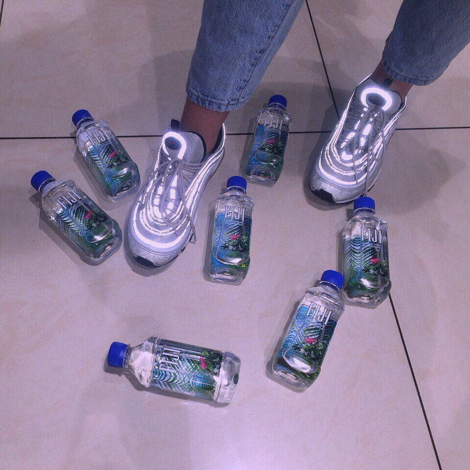 fiji and water image