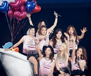 gg, girls generation, and Queen image