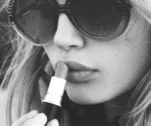 girl, lipstick, and black and white image
