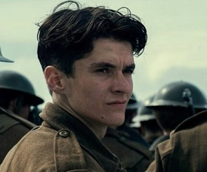 fionn whitehead and dunkirk image