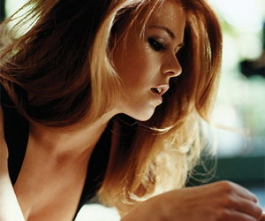isla fisher and hair image