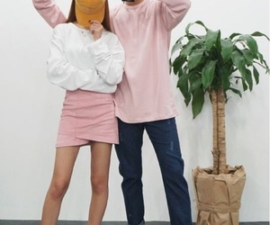couple, korean, and pink image