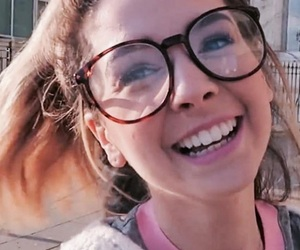beauty, zoe, and zoella image