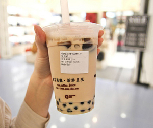 bubble tea, drink, and drinks image