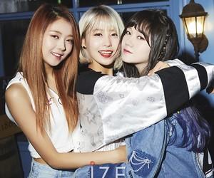 girls, k-pop, and photoshoot image