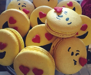 emoji, food, and macaroons image