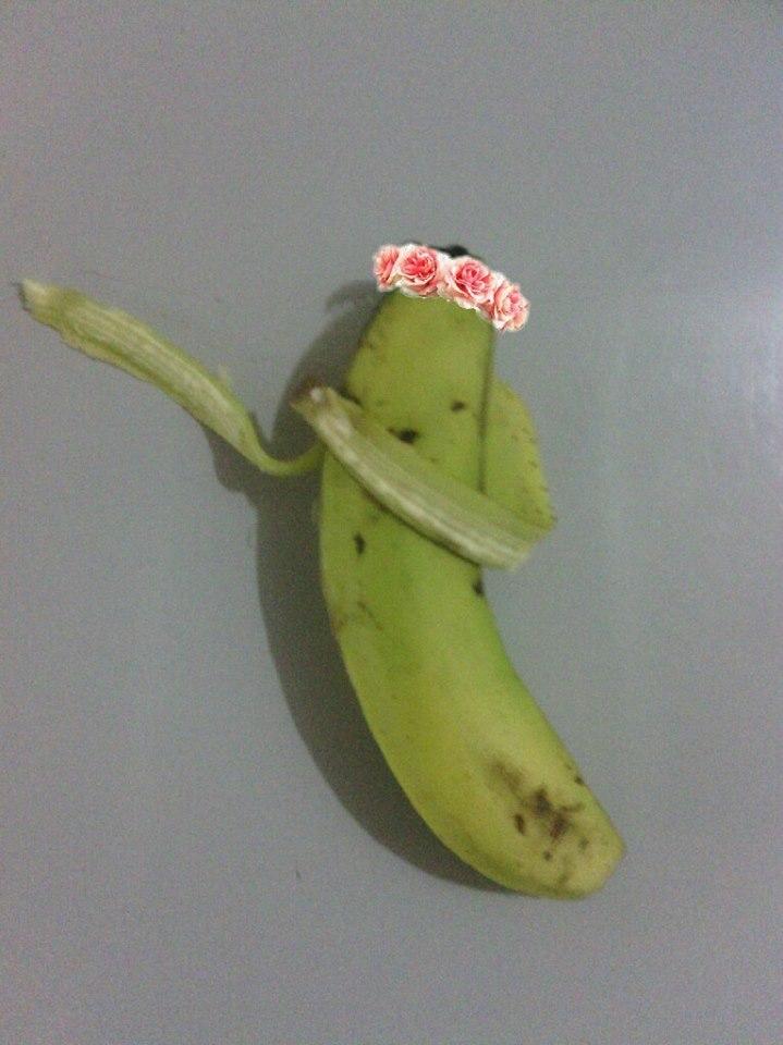 article and banana image