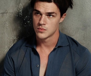 finn wittrock and handsome image