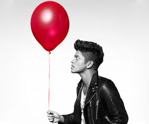 bruno mars, bruno, and red image