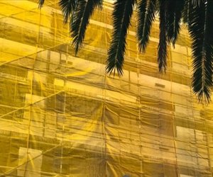 street photography and yellow image