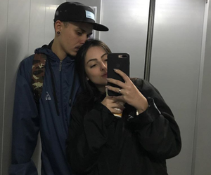 couple and tumblr image