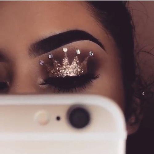 makeup, crown, and make up image