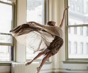 girls, بُنَاتّ, and ارقصي image