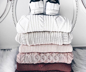 fashion, pullover, and schuhe image