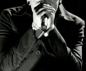 chester bennington image