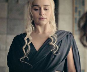 dress, emilia clarke, and mother of dragons image