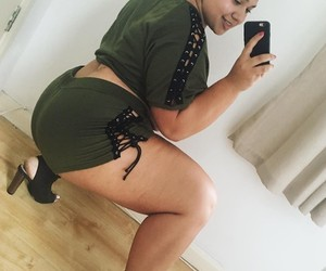 beautiful, curvy, and happy image