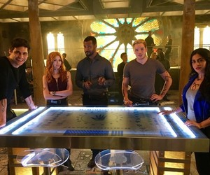 shadowhunters, emeraude toubia, and dominic sherwood image